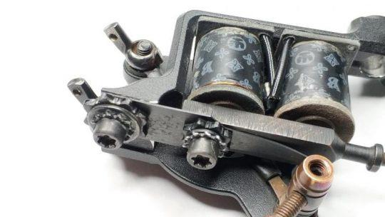 Разновидности тату-машинок, их устройство и настройка