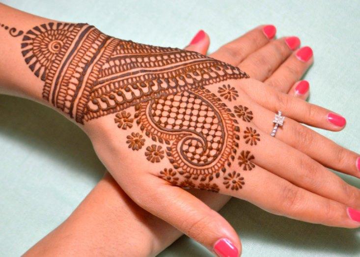 Значение рисунков мехенди (рисунки хной) на руке
